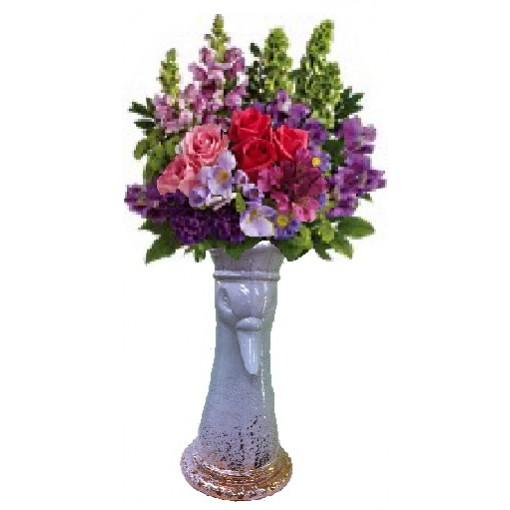 """A """"King Swan"""" Bouquet"""